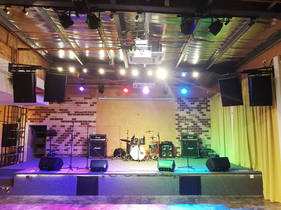 event venue for music concert or music event at skyark event spaces Rustiq Hall