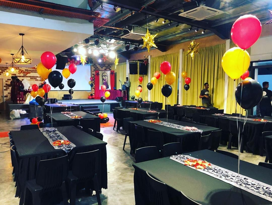 event venue for birthday party at skyark event spaces rustiq hall
