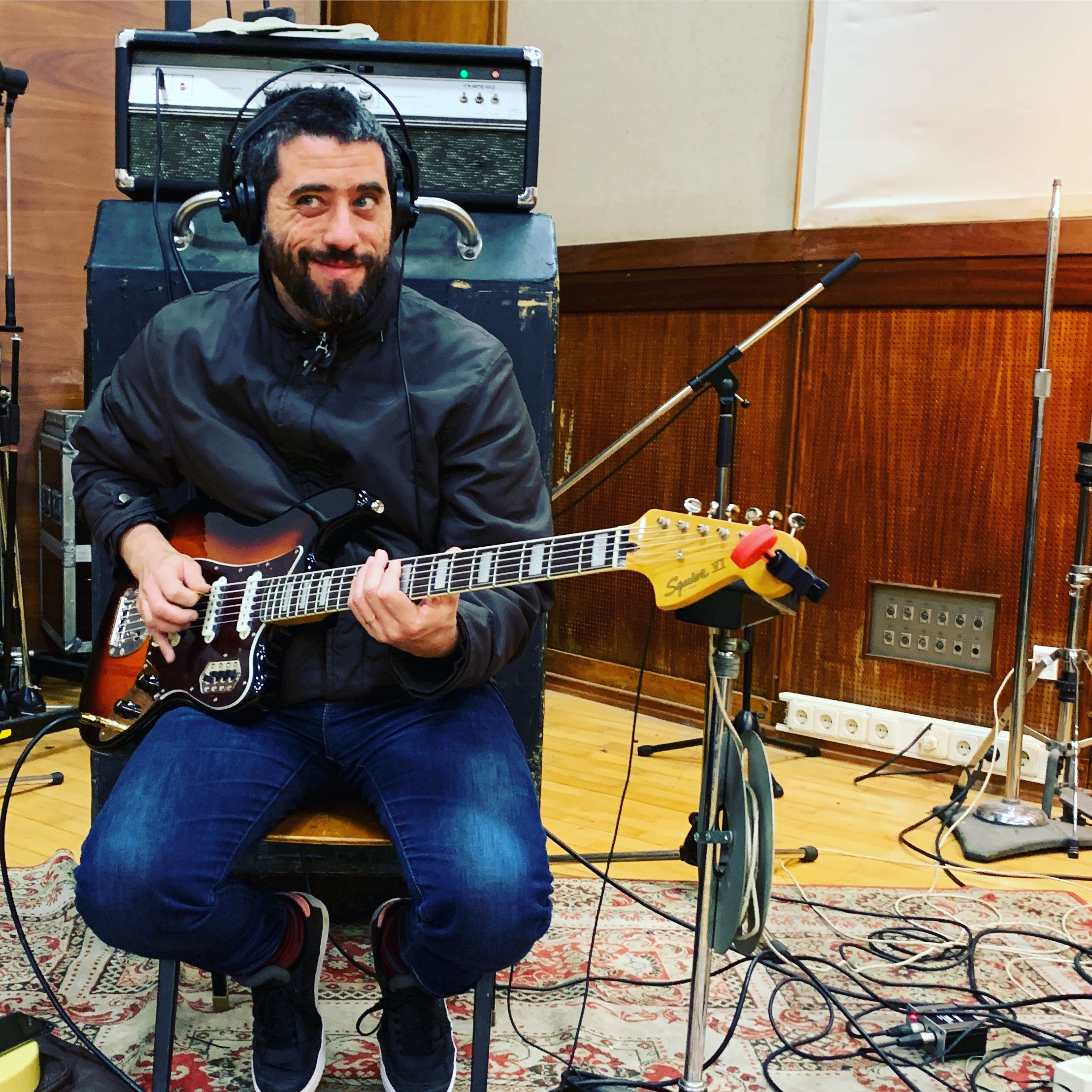 Alberto Continentino with Fender Bass VI