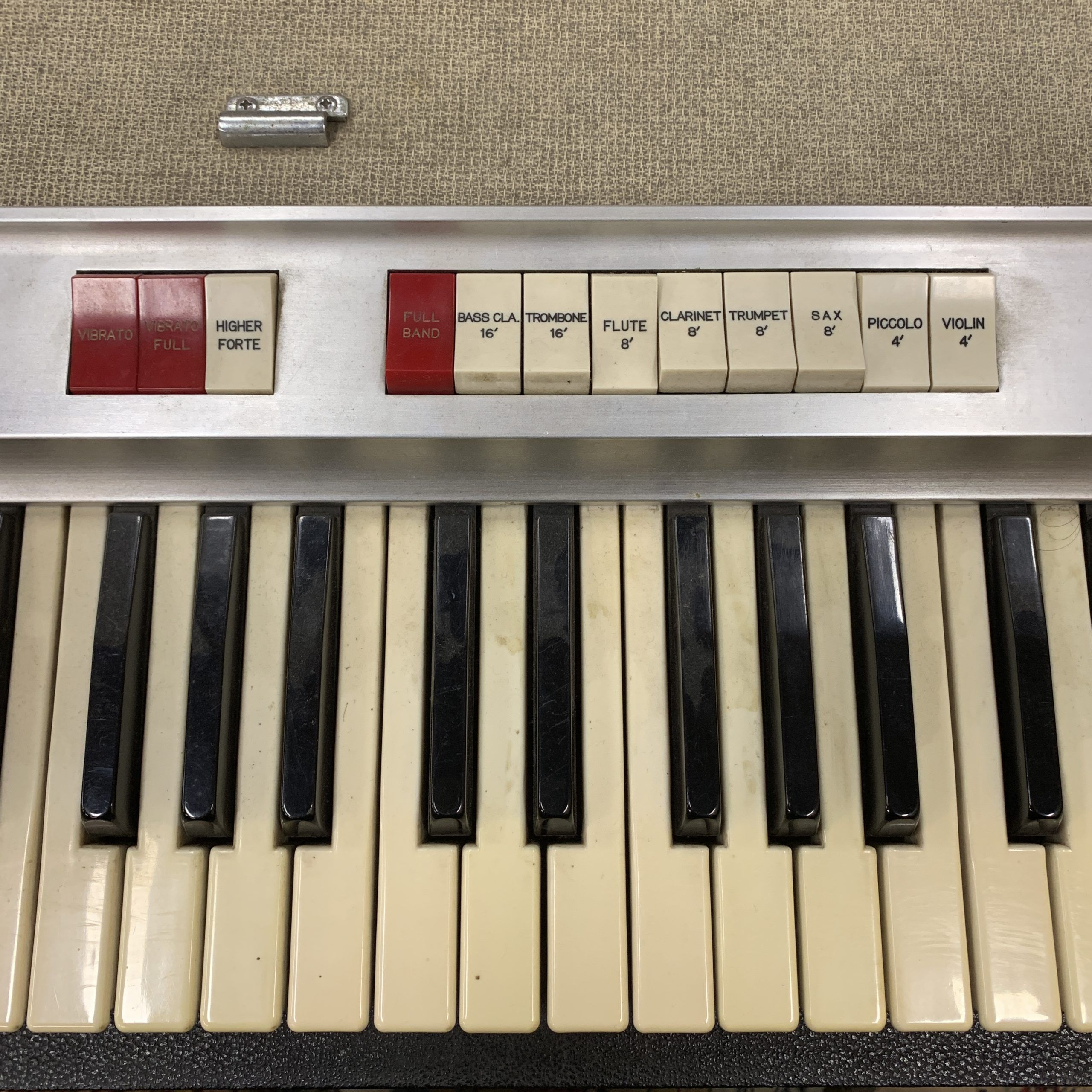 Photo of vintage Teisco keyboard 1960s