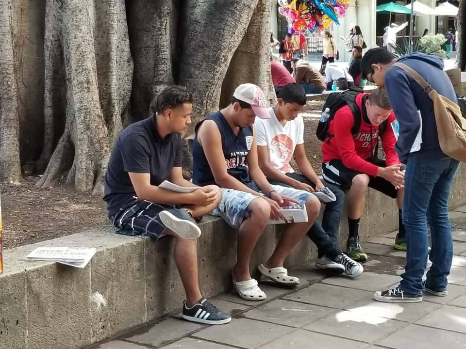 Praying outreach in Mexico